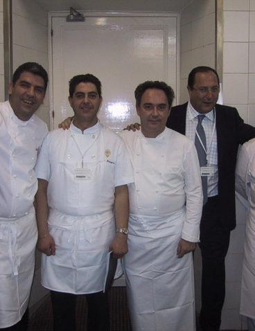 Con los cocineros en el baquete de la boda de SS.MM. los Reyes D. Felipe y Dª. Letizia