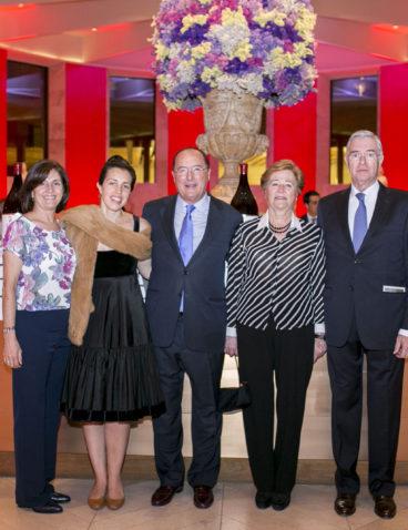 Con mi mujer Esperanza, mi hermana Isabel, mi cuñado Pedro y mi hija Beatriz durante la presentación de CM en el Museo Nacional del Prado