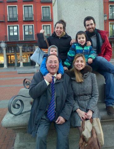 Con parte de mi familia en la Plaza Mayor de Valladolid