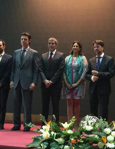 Foto de Familia, Premiados con la Medalla al Mérito Turístico